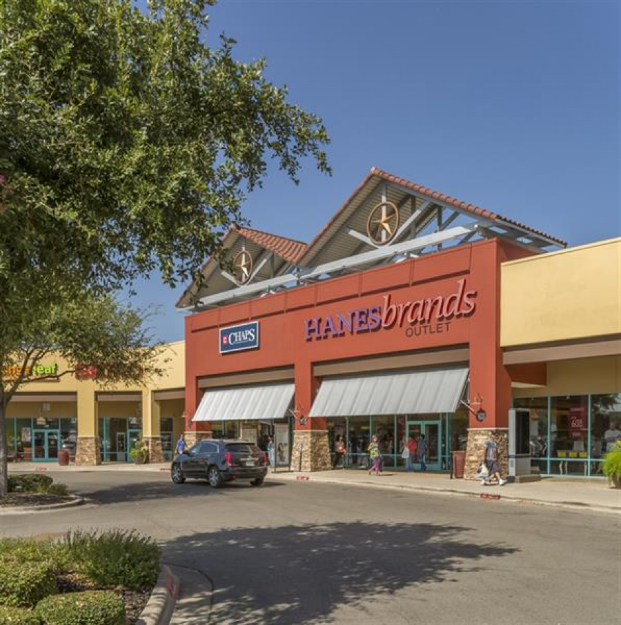 Tanger Outlets - San Marcos, Texas -- Outlet store